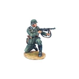 GERSTAL069 German Feldwebel Kneeling Firing MP40
