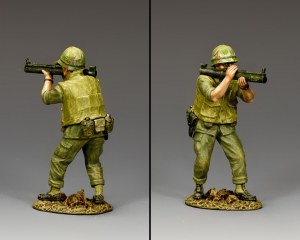 VN046 Crouching Marine Firing M72 LAW