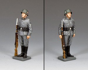 WS337 Waffen SS Standing-to-Attention