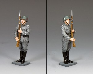 WS340 Waffen SS Present Arms