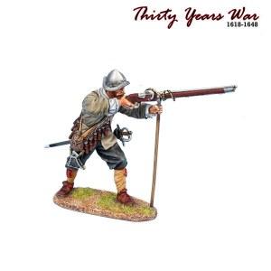 TYW014 Spanish Tercio Musketeer Ready