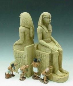 AE012 PAIR OF PHARAOH'S STATUES RETIRE