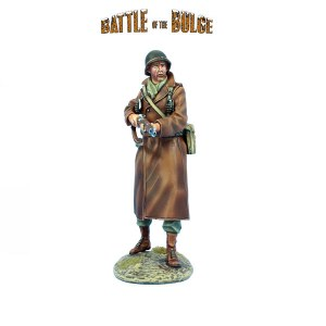 FL BB039 US Winter Infantry Advancing with M1 Garand PRE ORDER