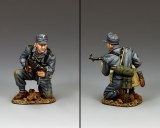 WH079 Kneeling Panzer Grenadier with Schmeisser
